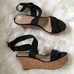 via spiga black leather ankle strap sandals